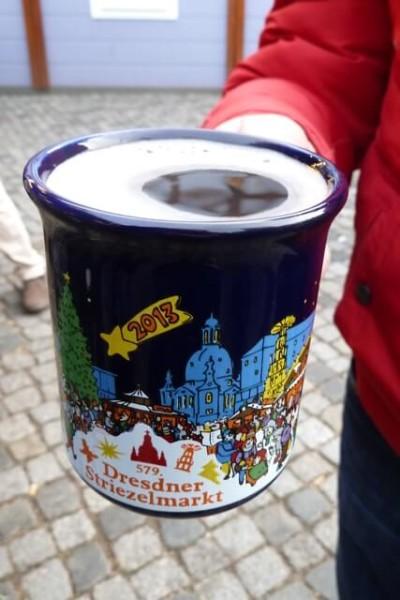 Striezelmarkt w Dreźnie kubek