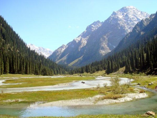 Karakol_Valley (1)